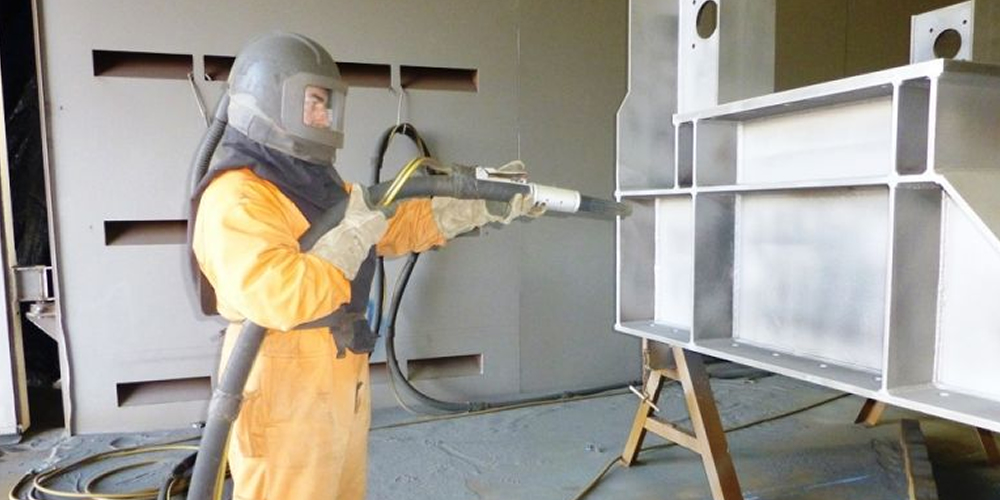 Blasting and painting red soil metals for Sandblasting and painting